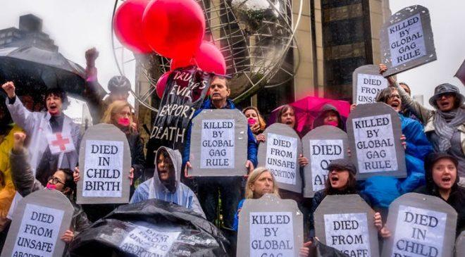 US global gag protest